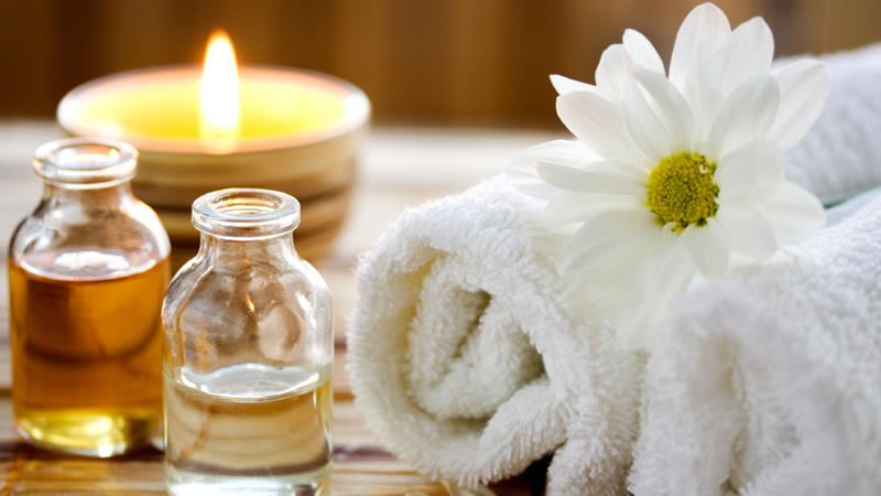 Enjoy a distinctive range of internationally influenced body therapies like body massage, scrubs, exfoliation, beauty services and more at Elgin's wellness spa.