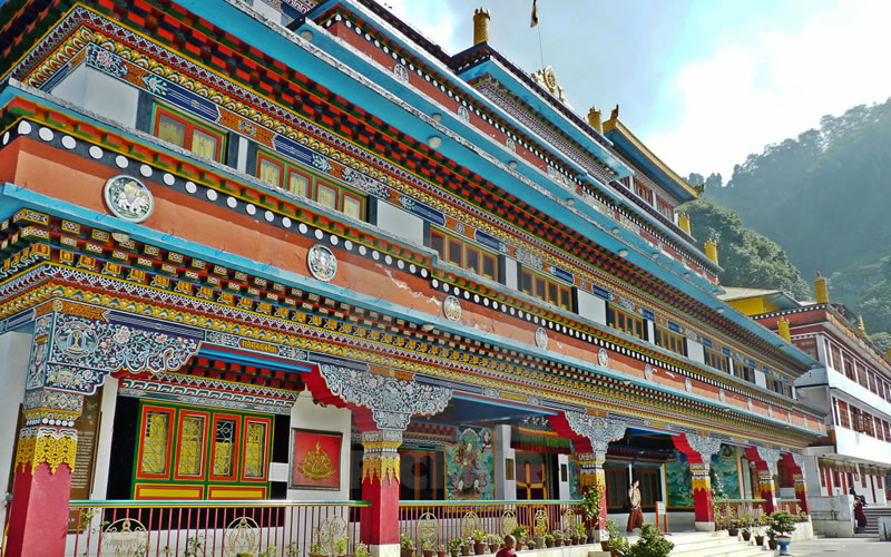 Dali Monastery is located some 5 kms away from Elgin Hotel in Darjeeling. It's one of the largest typical Tibetan style Monastery, perched on a steep hill