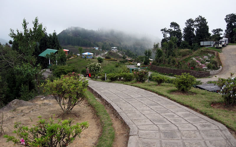 Jelepla View Point in Kalimpong is only few minutes drive from the Army Golf Course. It was built by the Indian army.